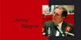 Jonny Wagner - zwischen scharz und rot
