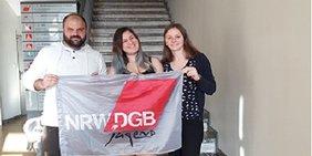 Omer Semmo (DGB-Jugendbildungsreferent), Maja Cole (Vorsitzende der DGB-Jugend Köln, Mitte), Paulina Gora (stellvertretende Vorsitzende, rechts)